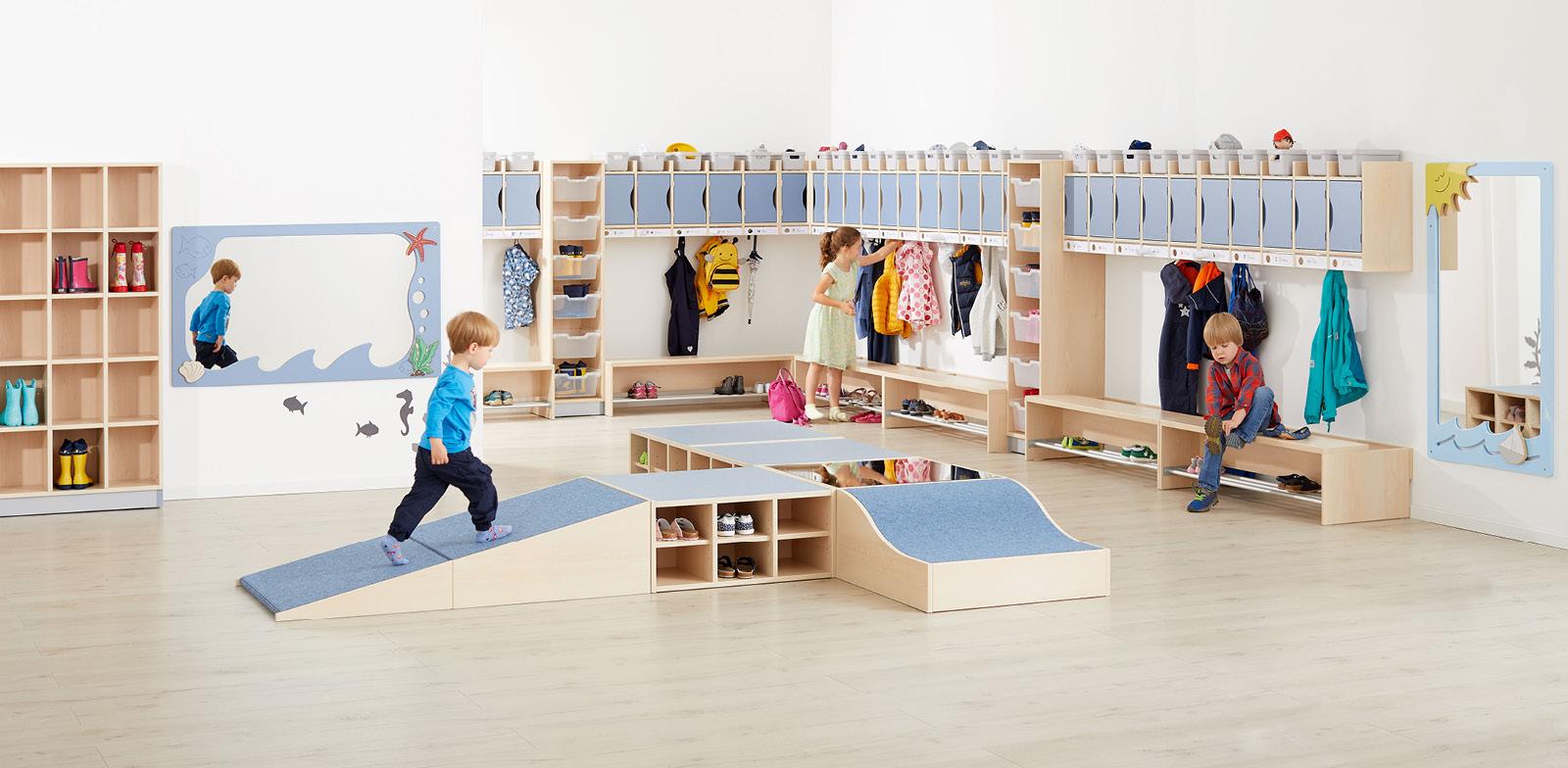 Krippen-, Kita-, Hort- oder Kindergartenmöbel. Entdecken Sie unser großes Möbel-Sortiment – hergestellt in Deutschland.